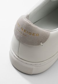 Kurt Geiger London - DONNIE - Sneakers - white - 5