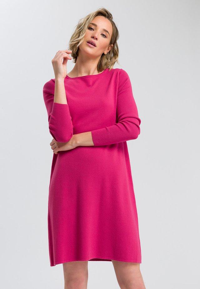 Jumper dress - raspberry
