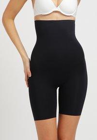 Spanx - THINSTINCTS - Shapewear - very black - 0