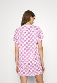 Moschino Underwear - MAXI - Pyjamasoverdel - fuxia fantasy - 2