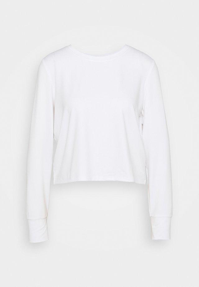 CROSS BACK LONG SLEEVE - Long sleeved top - white