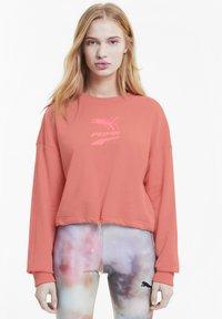 Puma - EVIDE CREW - Sweatshirt - salmon rose - 0