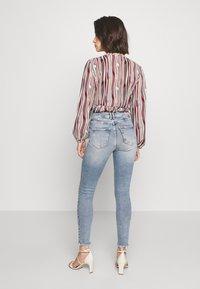 ONLY - ONLCHRISSY - Jeans Skinny Fit - light blue denim - 2