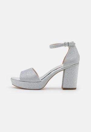 Platform sandals - silver glam