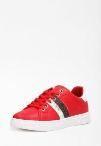 Guess - REEL - Sneakers basse - rot - 1