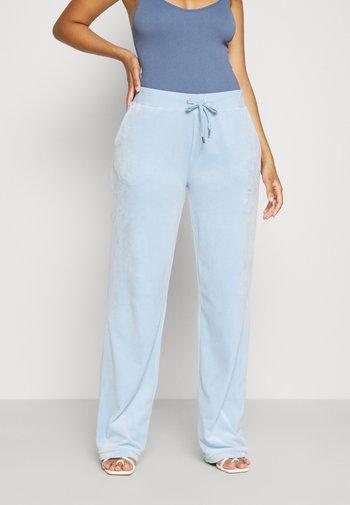NUMERAL TRACK PANTS - Joggebukse - powder blue