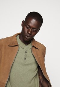 CLOSED - Polo shirt - soft khaki - 6