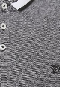 TOM TAILOR DENIM - TWO TONE EFFECT - Polo shirt - black melange - 2