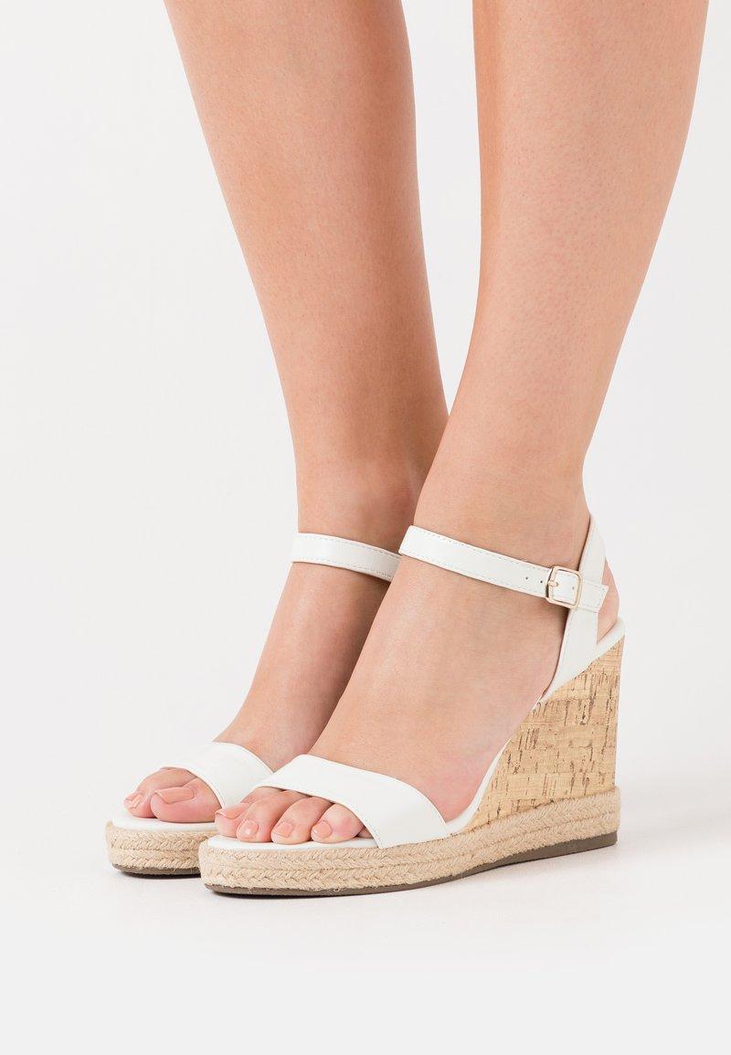 New Look - PERTH - Sandaler med høye hæler - white