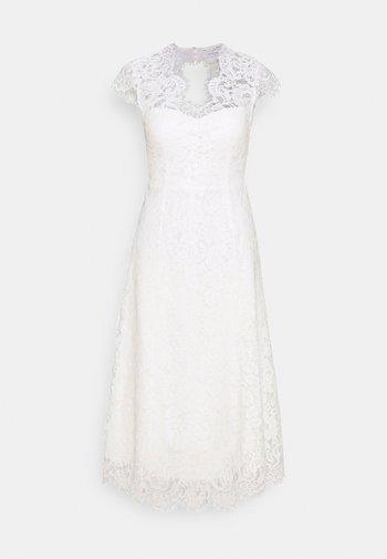 MARIA - Společenské šaty - snow white