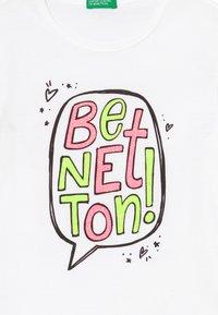 Benetton - T-shirt z nadrukiem - white - 3