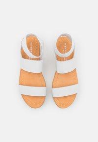 Madden Girl - BREE - Sandály na platformě - white - 5