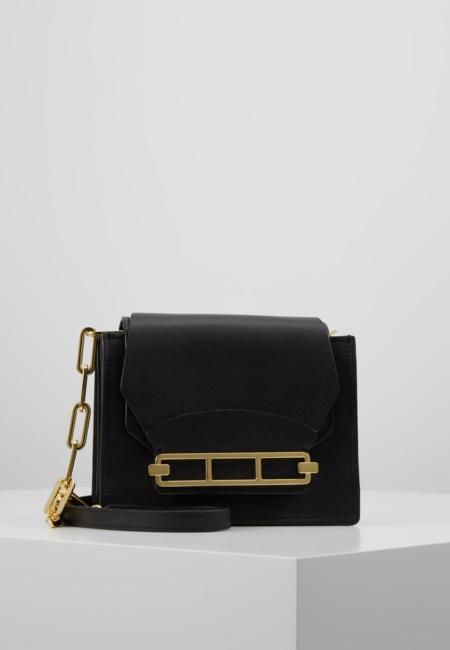 KATIE CHAIN CROSSBODY SOLID - Schoudertas - black