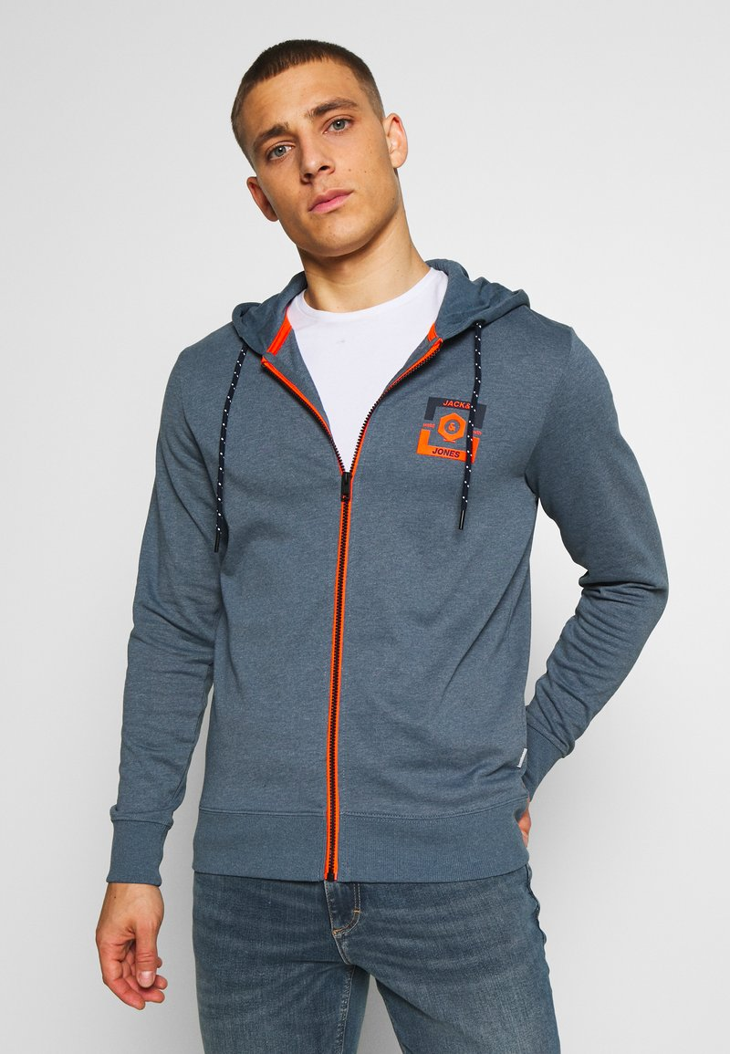 Jack & Jones - JCOSTRONG ZIP HOOD - Mikina na zip - china blue/melange