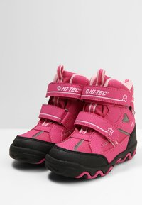 Hi-Tec - BLIZZARD - Winter boots - pink - 3