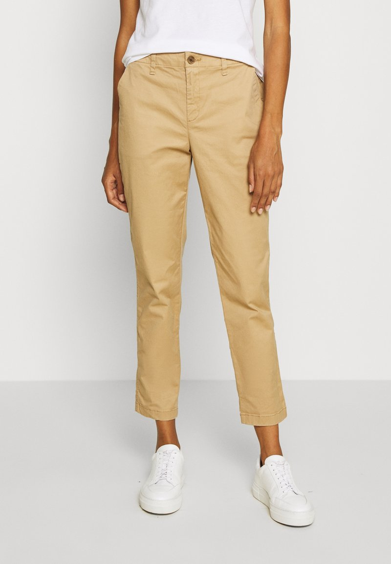 GAP - GIRLFRIEND - Pantalones chinos - beige