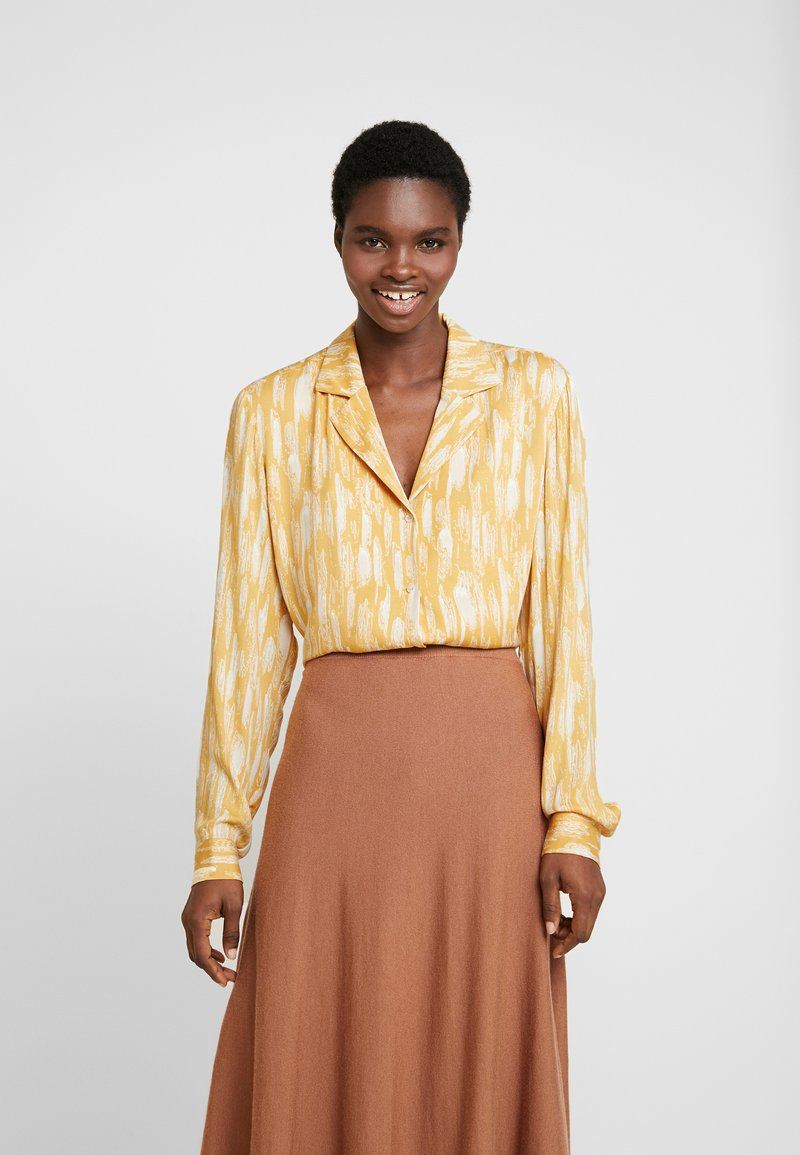 Soft Rebels - SRBLAZE TIE - Button-down blouse - blaze
