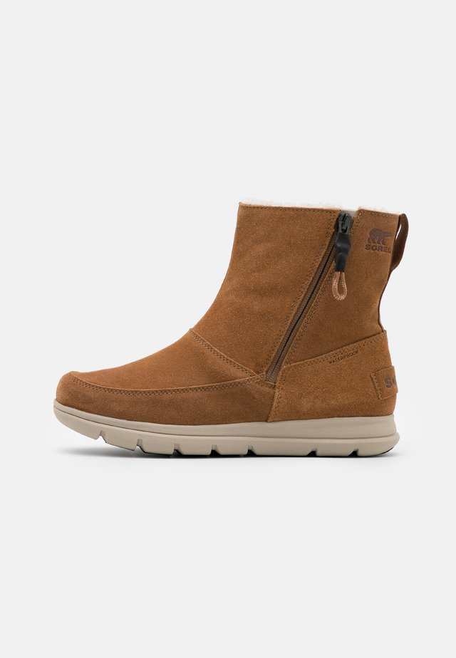 EXPLORER ZIP - Winter boots - cognac
