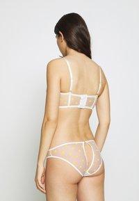 Le Petit Trou - CORSET PAULA - Underwired bra - white/yellow - 2