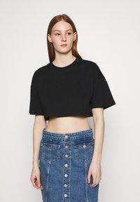 Gina Tricot - ZACHA CROPPED TEE - Basic T-shirt - black - 0