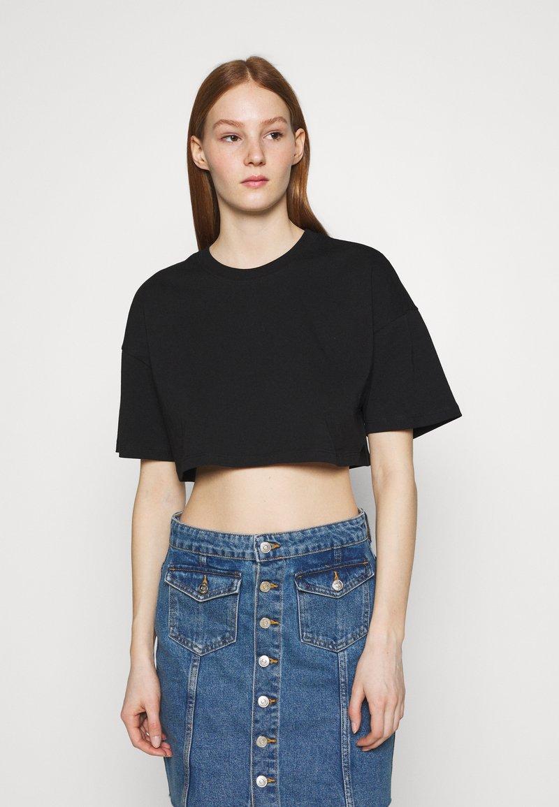 Gina Tricot - ZACHA CROPPED TEE - Basic T-shirt - black