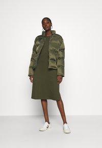 Casa Amuk - PUFFER JACKET - Winter jacket - olive - 1