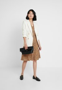 mint&berry - Day dress - beige - 2