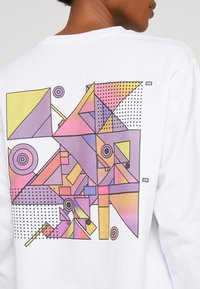 Merchcode - ABSTRACT COLOUR - Long sleeved top - white