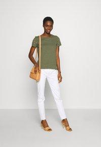 Mos Mosh - SUMNER DECOR PANT - Kalhoty - white - 1