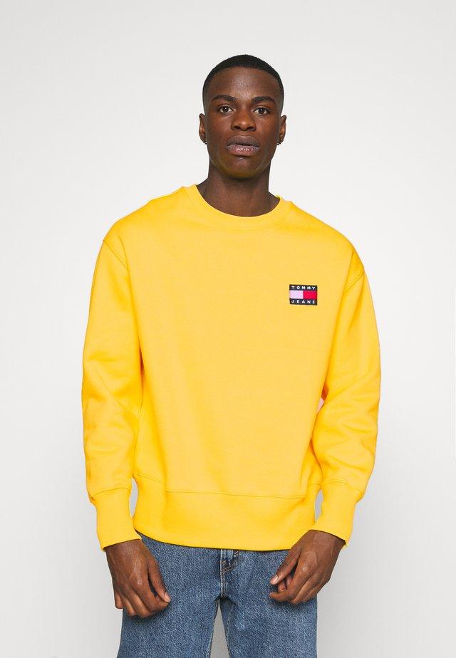 BADGE CREW UNISEX - Sweatshirt - starfruit yellow