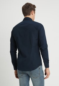 Solid - TYLER - Koszula biznesowa - insignia - 2