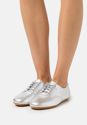 ADEOLA LACE UP DERBYS - Lace-ups - silver