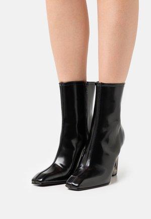 CARABINER BOOT  - Stivaletti - all black