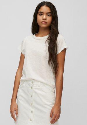 REGULAR FIT - Basic T-shirt - scandinavian white