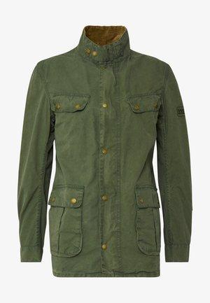 COLOURED DUKE CASUAL - Leichte Jacke - racing green