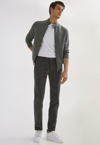 Massimo Dutti - SLIM FIT - Chinos - dark grey - 5