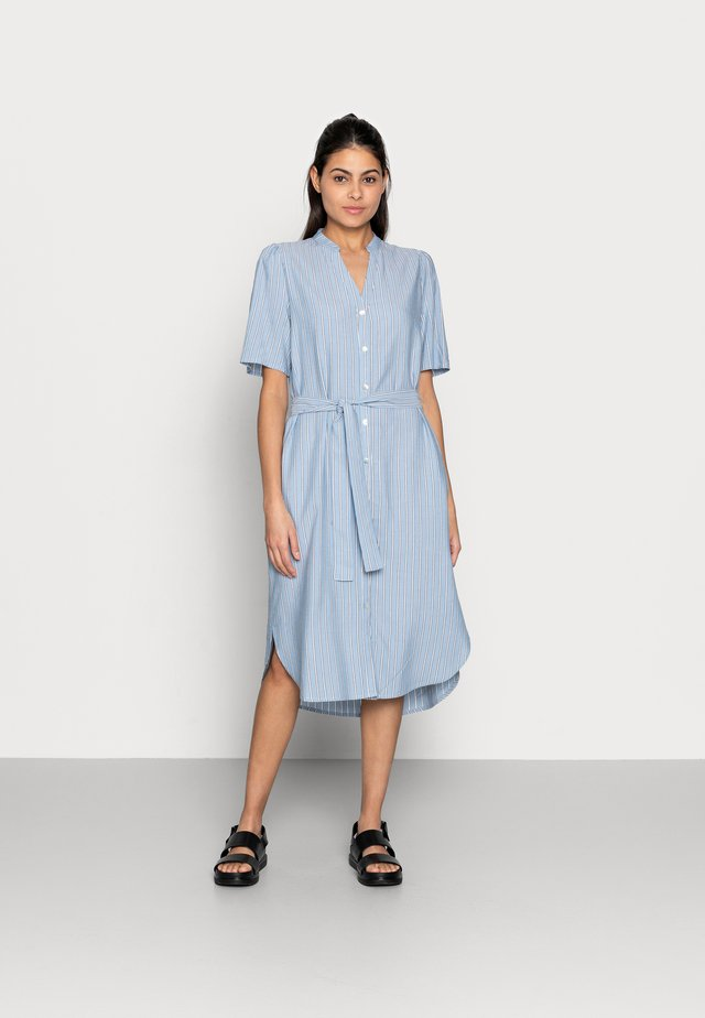 MAKITA BEACH SHIRT DRESS - Blousejurk - powder blue