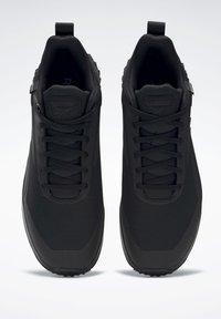 Reebok - CRUISER GORE-TEX - Sneakers - black - 7