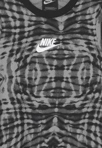 Nike Sportswear - Vestido ligero - black/white - 2