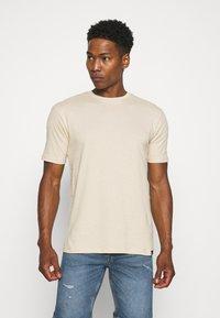Newport Bay Sailing Club - CORE 3 PACK - Basic T-shirt - off white/stone/light blue - 1