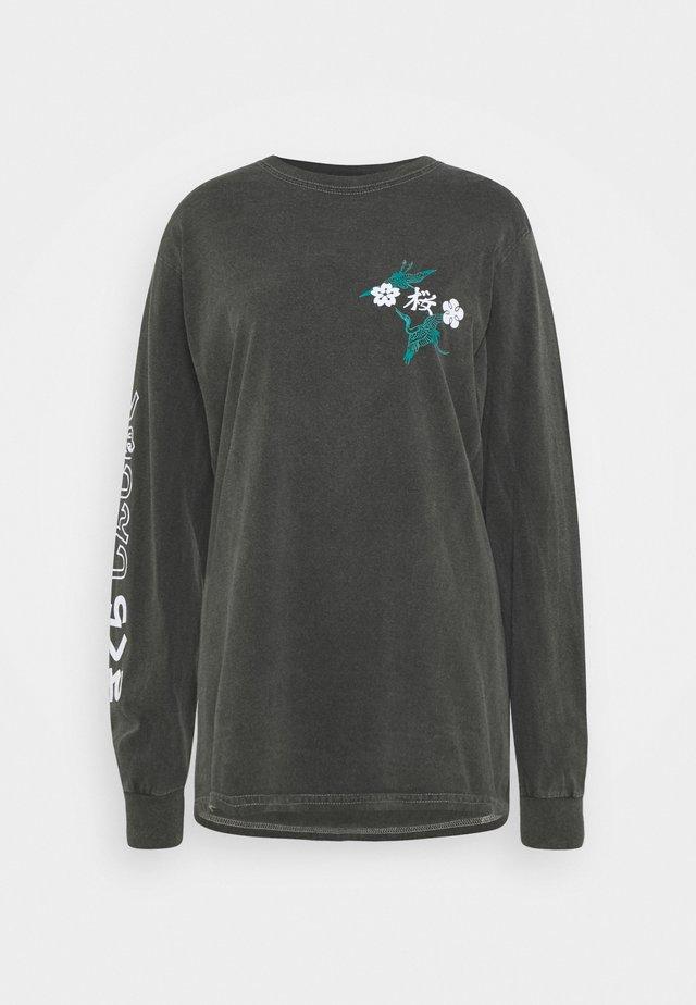 SAKURA SKATE - Camiseta de manga larga - washed black