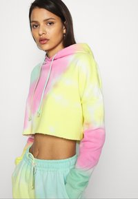 Missguided - TIE DYE CROPPED OVERSIZE HOODIE - Jersey con capucha - multi-coloured - 4