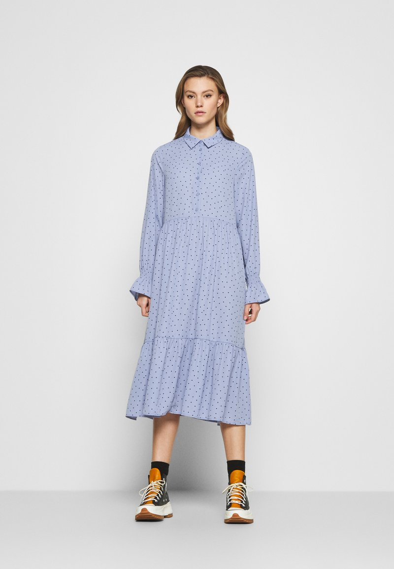 Monki - PARLY DRESS - Blusenkleid - blue