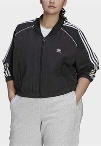 adidas Originals - SHORT TT - Training jacket - black - 3