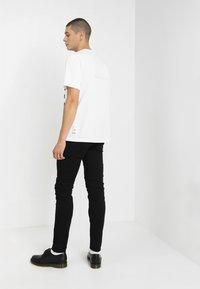 Diesel - SLEENKER - Slim fit jeans - 069ei - 2