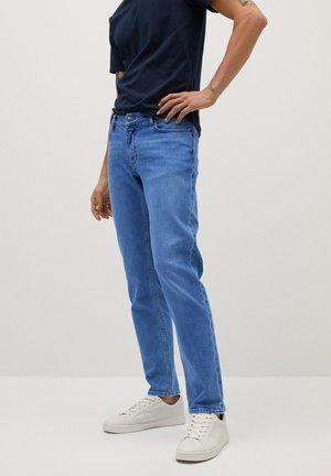 JAN - Slim fit jeans - mellemblå