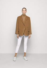 J Brand - MID RISE CROP - Jeans Skinny Fit - blanc - 1