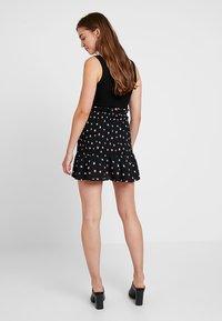Fashion Union - BOYZIE - Mini skirt - black - 2