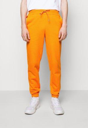 HANGER TROUSERS - Verryttelyhousut - orange