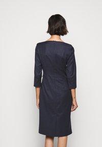 WEEKEND MaxMara - BURGOS - Pouzdrové šaty - blau - 2